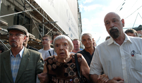 Eduard Limonov, Lyudmila Alexeyeva, and Konstantin Kosyakin at the July 31, 2010 Strategy 31 rally. Source: Kasparov.ru