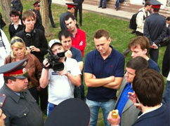 Police confront opposition protesters in Astrakhan. Source: Georgy Alburov