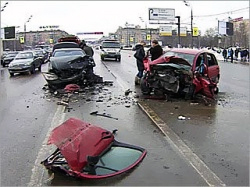 Car crash on February 25, 2010 in Moscow. Source: Mvkursk.ru