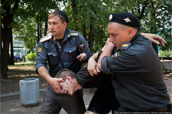 Detention of opposition activists on Lubyanka, July 15, 2011. Source: Ilya Varlamov