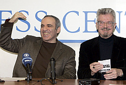 Garry Kasparov and Eduard Limonov. Source: Alexader Natrushkin / Reuters (c)