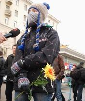 Activist mourning Ivan Khutorskoy. Source: kasparov.ru