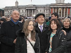 Yury Luzhkov with his two daughters and wife. Source: Kommersant