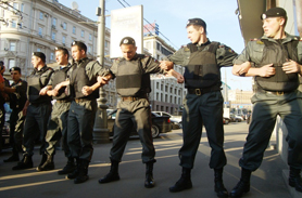 Police surrounding Day of Wrath demonstrators in Moscow on August 12, 2011. Source: Kasparov.ru