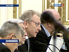 Moscow Deputy Mayor Alexander Ryabinin (center). Source: Vesti
