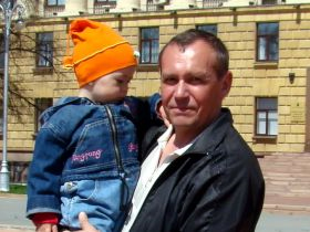 Viktor Shamaev and his daughter. Source: Viktor Nadezhin/Kasparov.ru